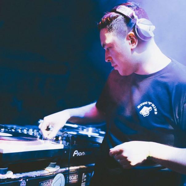 DJ Rolxx